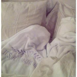 שמיכה לבנה