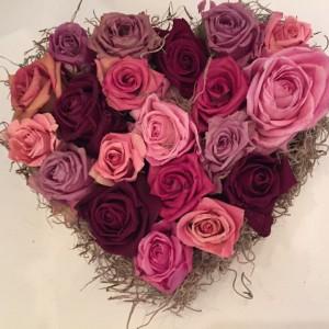לב ורדים יבשים  (העתק)