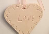 קישוט לב קרמיקה love